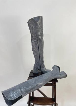 Ботфорти з натуральної шкіри з тисненням під рептилію шкіряні високі сапоги кожаные ботфорты осенние зимние