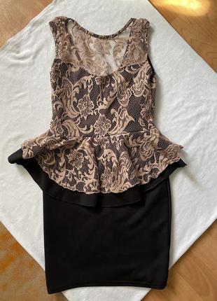 Платье кружевное с баской  чёрное