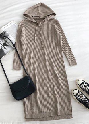 Платье оверсайз с капюшоном