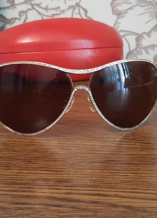 Изящные солнцезащитные очки стразы valentino