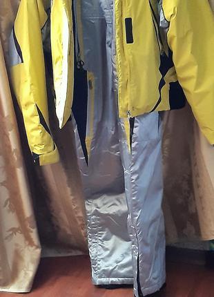 Фирменный зимний  костюм  куртка и штаны  glider