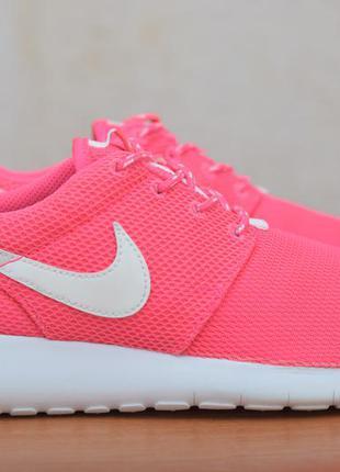 Розовые женские легкие кроссовки nike roshe run, 38 размер. оригинал