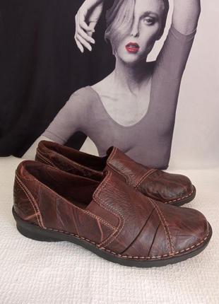 Clarks кожаные оригинальные туфли 39,5