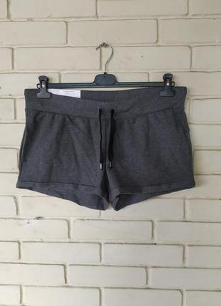 Трикотажные шорты размер l 16-18