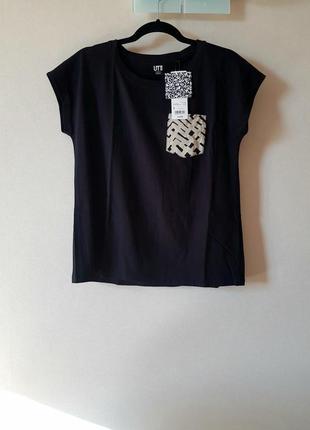 Черная футболка uniqlo размер s