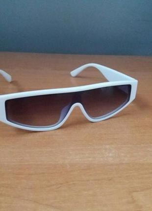 Классные солнцезащитные очки сонцезахисні окуляри