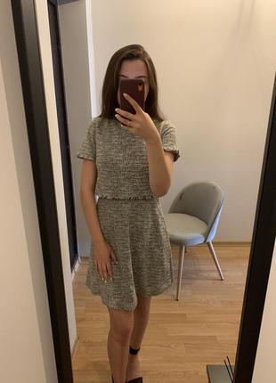 Красивое твидовое платье