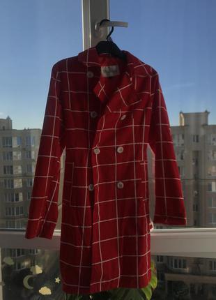 Пальто max mara красное