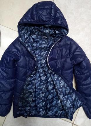 Легкая и теплая деми курточка для девочки 140 лет германия alive