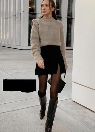 Трендовая мини юбка с разрезом zara m