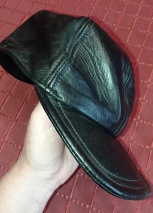 Стильная кожаная кепка top wear