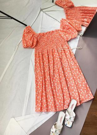 Актуальна сукня в квітковому принті f&f