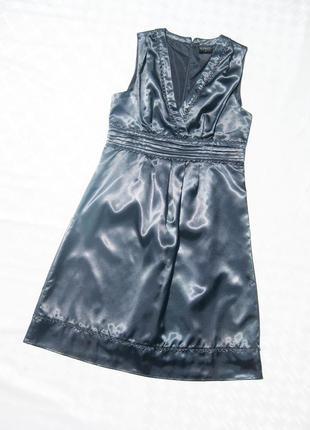 Нарядное серо голубое блестящее миди платье soaked in luxury