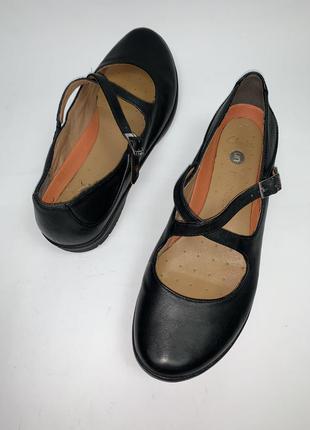Женские кожаные фирменные туфли clark's. размер 42. стелька 27.5
