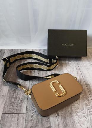Женская бежевая кожаная сумочка marc jacobs snapshot жіноча шкіряна