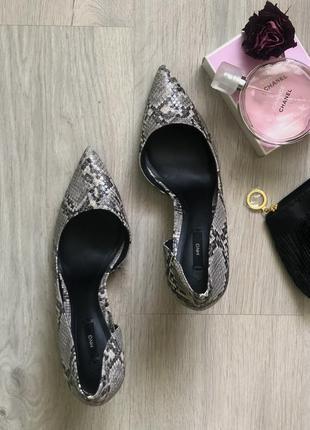 Классические туфли на шпильке mango