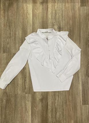 Белая блуза / рубашка с воланами