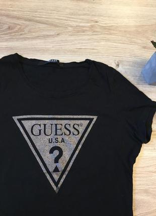 Оригинальная футболка от guess