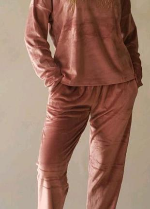 Пижама из мягкого велюра