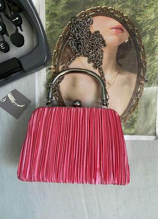 Очень красивая сумочка акцентная