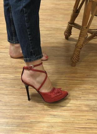 Туфлі від бренду roberto vinccenzo, 38 розмір, червоно-чорні, натуральна шкіра - замш.