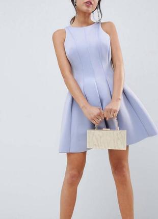 Короткое приталенное платье с открытой спиной asos design