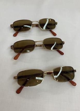Прямоугольные узкие маленькие очки с коричневыми стеклами