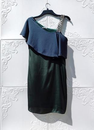 Красивое вечернее платье тёмно зелёное с синим как шёлк soaked in luxury