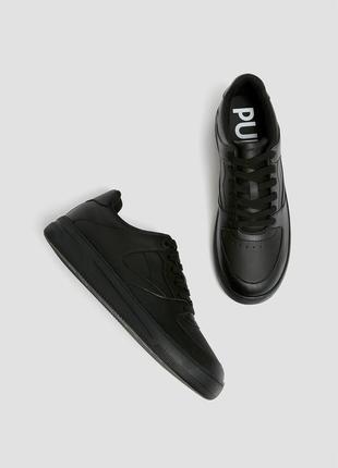 Pull&bear очень классные универсальные однотонные кеды кроссовки черные ⭐️
