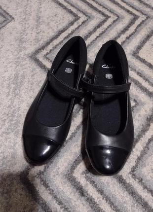 Туфли clarks 38 размер мэри джейн