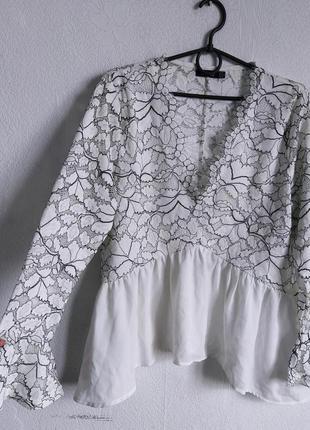 Шикарная ажурная блуза с баской