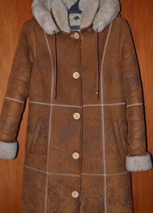 Искусственная длинная дубленка с капюшоном / пальто-дубленка