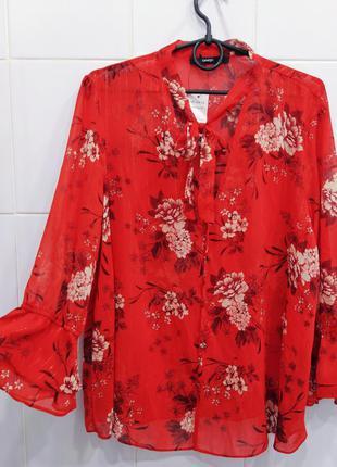 Актуальная шифоновая блуза в цветочный принт с золотой нитью