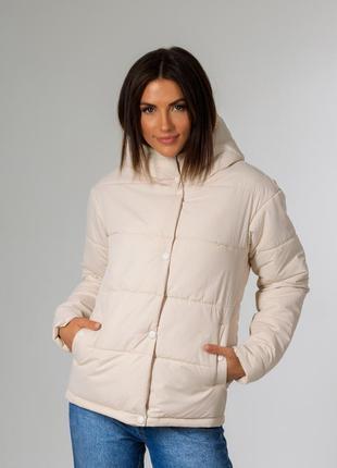 Невероятно стильная женская куртка с капюшоном