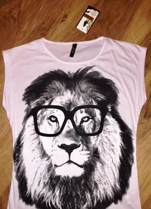 !футболка турецкая с принтом!супер качество!!!р.с,м,л!!!лев,цвет белый