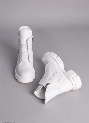 Женские кожаные демисезонные ботинки 5550-2