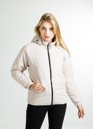 Яркая молодежная курточка для девушек на осень или весну