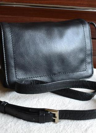 Essentiel повседневная кожаная сумка на длинном ремне.
