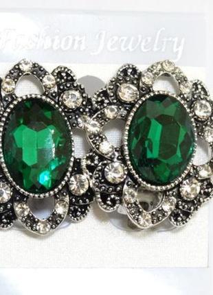 Клипсы с зелеными и белыми кристаллами