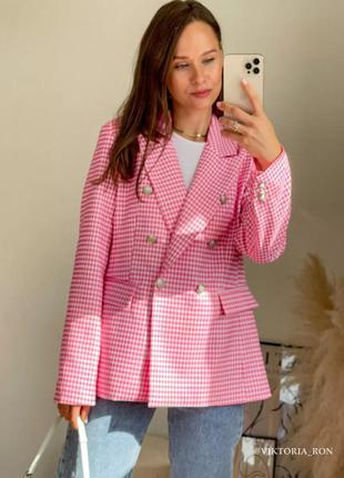 Пиджак в клетку зара zara розовый