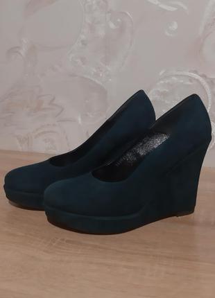 Замшевые туфли фирмы nessi