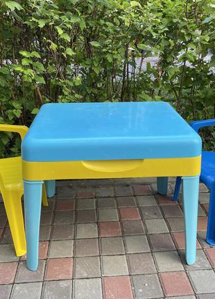 Стол со стульями для творчества