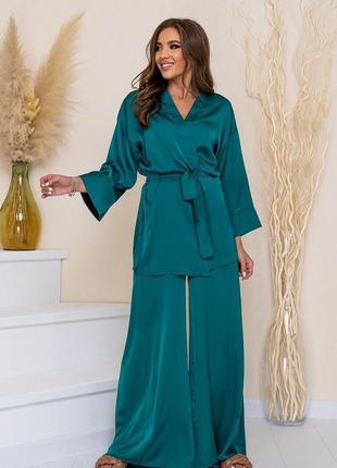 Костюм .шелковый костюм из накидки-кимоно и брюк-палаццо