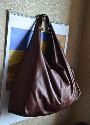 Кожаная красивая сумка италия.