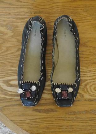 Туфлі-балєтки шкіряні розмір 41 стелька 27,5 см miu miu