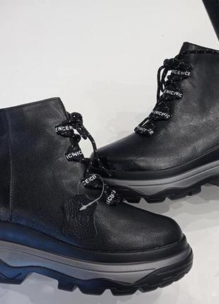Зимние женские ботинки nice на высокой подошве 41р