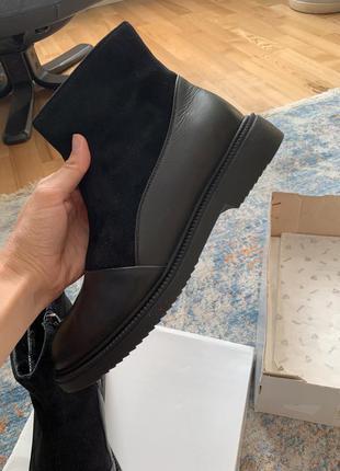 Нові шкіряні черевики, 40