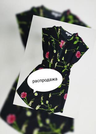 Стильное платье в цветы
