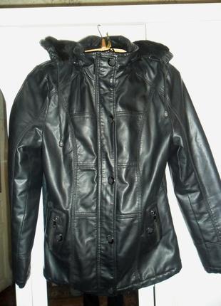 Женская кожаная черная курта (осень-зима)