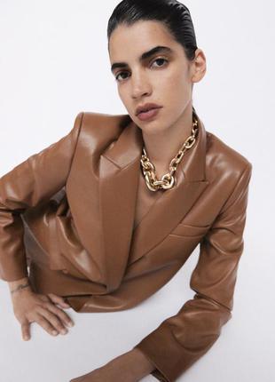 Нереально крутой пиджак из мягкой еко кожи новые коллекции zara 🍫